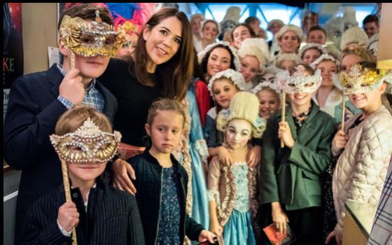 """Kongelige gæster til Eventyrteatrets musical """"Den Magiske Maske"""" 2018"""