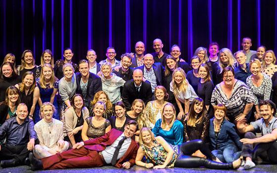 Nogle af de første børn på Eventyrteatret ved teatrets 25 års jubilæum i Cirkusbygningen oktober 2016 - foto: Bent Tilsted