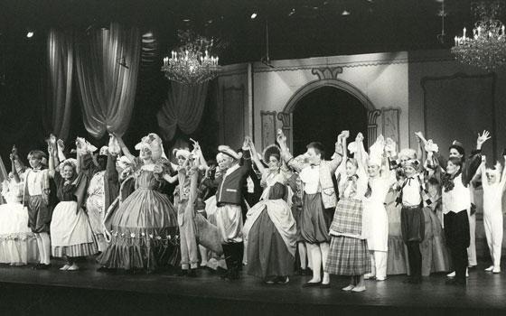 """Fra Eventyrteatrets musical """"Klods-Hans"""", 1993 på Amager Scenen"""