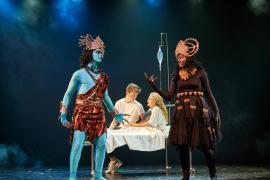 """Foto fra Eventyrteatrets familiemusical """"De Vises Sten"""", oktober 2014 i Glassalen i Tivoli"""