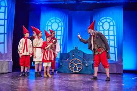 """Fra Eventyrteatrets julemusical """"Julehjertet"""" december 2017 i Glassalen i Tivoli"""