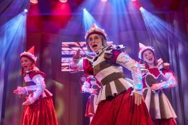 """Pressebillede fra Eventyrteatrets julemusical """"Julekortet"""""""