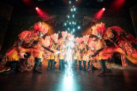 Fra Eventyrteatrets familiemusical Skovens Dronning, oktober 2019, Glassalen i Tivoli - Eventyrteatret i Glassalen - Salamandere og ild - teater, børneteater, musical