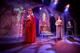 Fra Eventyrteatrets familiemusical Skovens Dronning, oktober 2019, Glassalen i Tivoli -  Dronning Margrete og Novicen - teater, børneteater, musical