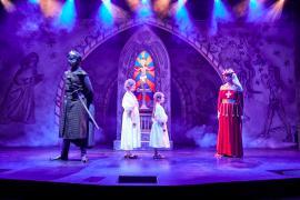 Fra Eventyrteatrets familiemusical Skovens Dronning, oktober 2019, Glassalen i Tivoli - Dronning Margrete og Den sorte Ridder - teater, børneteater, musical