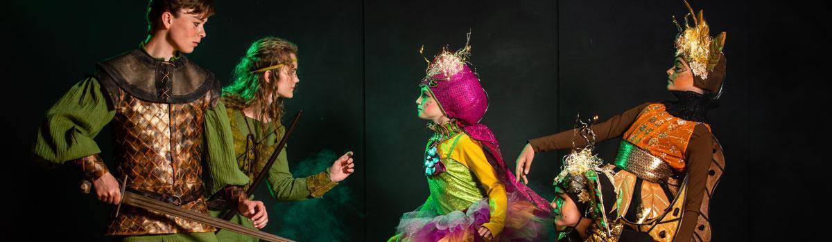 """CD udgivet med sange fra Eventyrteatrets musical """"Robin Hood - Foto: Hergaard Fotografi"""